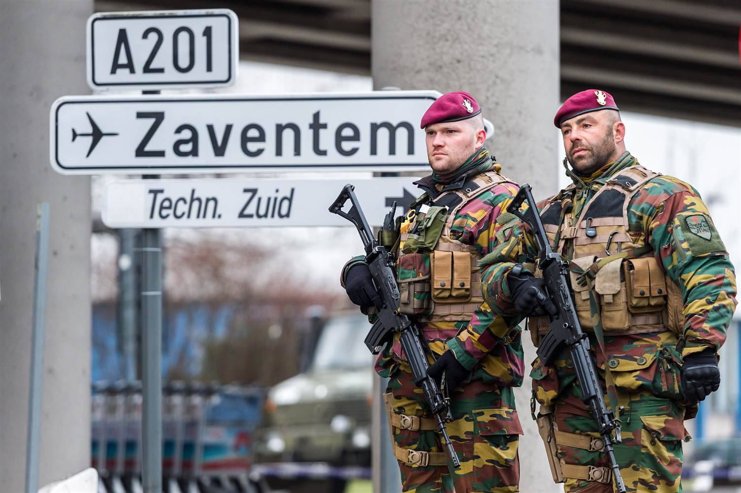 160323-brussels-airport-soldiers-939a_ac08f4757f784c6f1ab4d9fda98e7310.nbcnews-ux-2880-1000