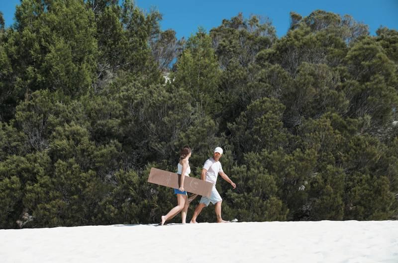 澳洲昆士蘭懶人包|陳柏宇與太太浪漫行程 睇心形礁、大堡礁浮潛、去秘景白天堂沙灘、跳降落傘