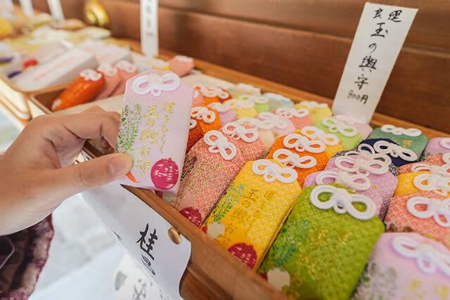 不求戀愛御守轉求它?名古屋神社御守上「三隻字」紅遍日本