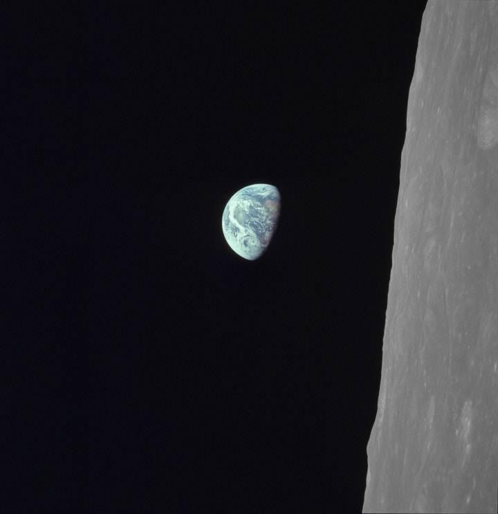 NASA觀測站20周年 網民票選最佳地球照片!
