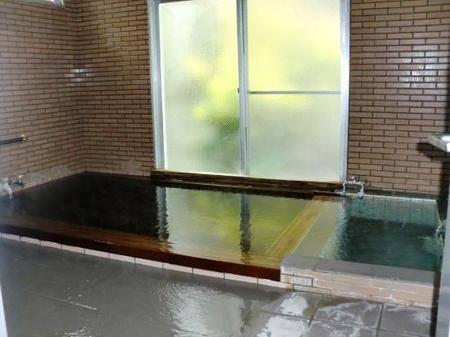 日本荒廢小學改造旅館 教員室改建成溫泉!一晚HK0!