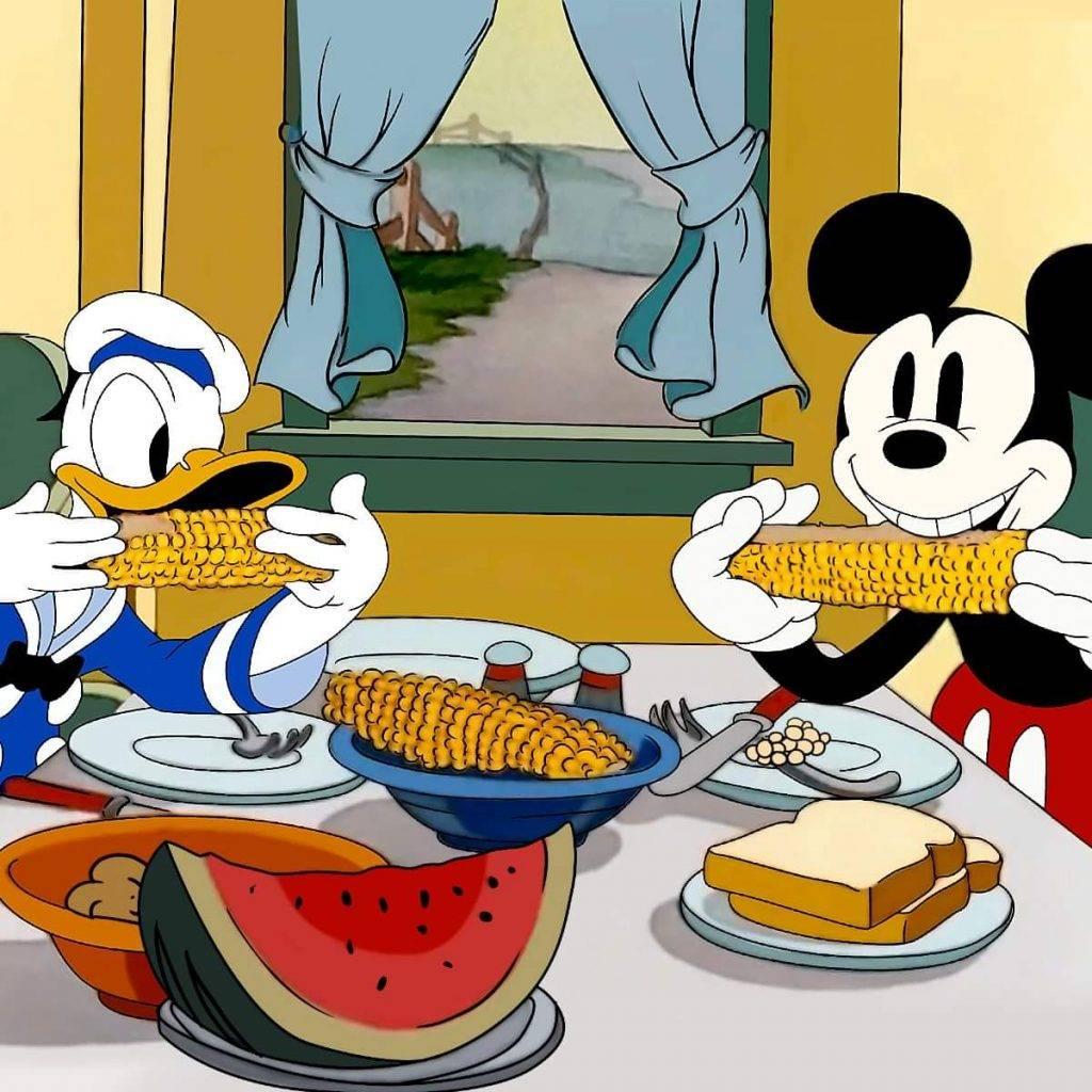 唐老鴨與米奇老鼠的第1次見面,是於於1935年播出的《Mickey's Services Station》(圖片來源:FB@Mickey Mouse)