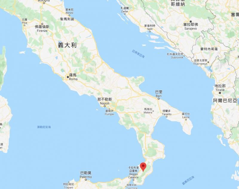 Cinquefrondi位於意大利的尾巴。