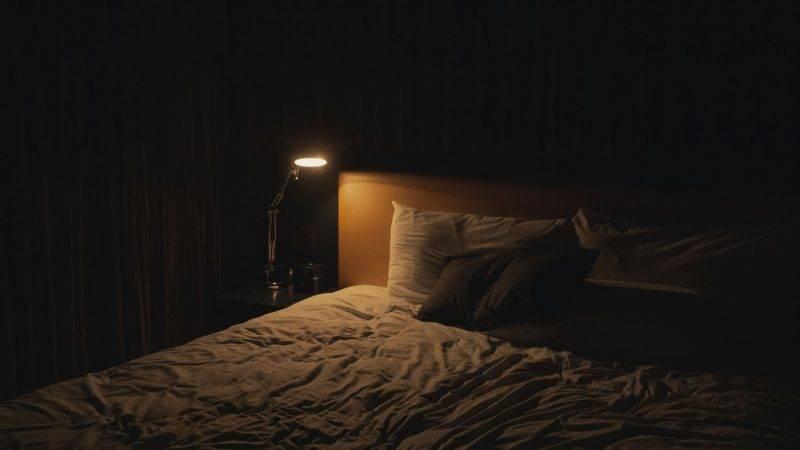 酒店鬧鬼實錄|台灣出差半夜遇鬼敲門 偷看防盜眼竟全身發涼