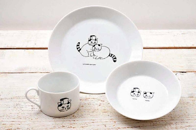 與人氣插畫家松尾Miyuki推 出 的 餐 具, 各 ¥1,800-2,500/ HK0-180。