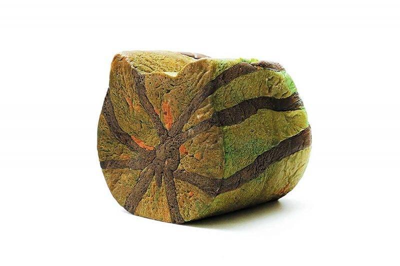7月份的網上限定版是西瓜 包,外表是西瓜,入面都是西 瓜,但其實「 得個樣 」,完全 不含西瓜汁,雖然很有趣,但 可惜今年未能吃到,希望下年 暑假還會推出吧!