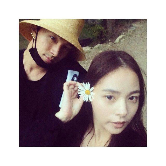 韓國用語|BIGBANG太陽就稱自己是「母胎solo」,初吻對象是老婆閔孝琳。(圖片來源:IG @__youngbae__)