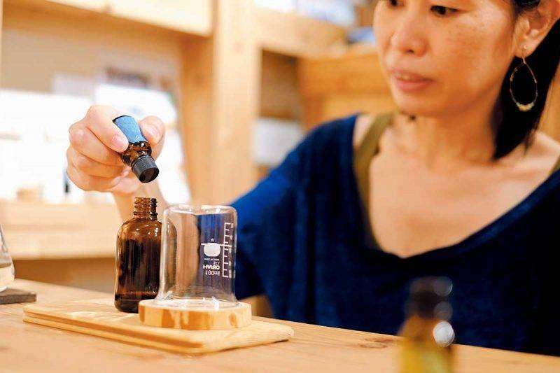 step 1 從3種香薰中選取喜歡的香味。