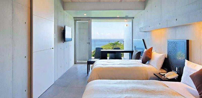 客間附有露台兼全室有無敵的東海景色,講究細節地連床 褥用的是名牌 Simmons,不像一般虛有其表的設計酒店。