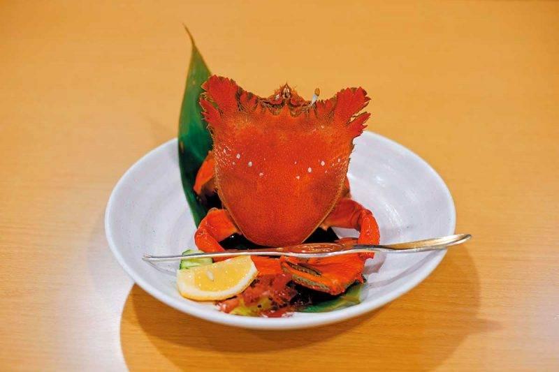 當日到訪時晚餐有加菜,吃到屋久 島名物老虎蟹(アサヒガニ),食感 有點像蝦肉,彈牙爽口又清甜。