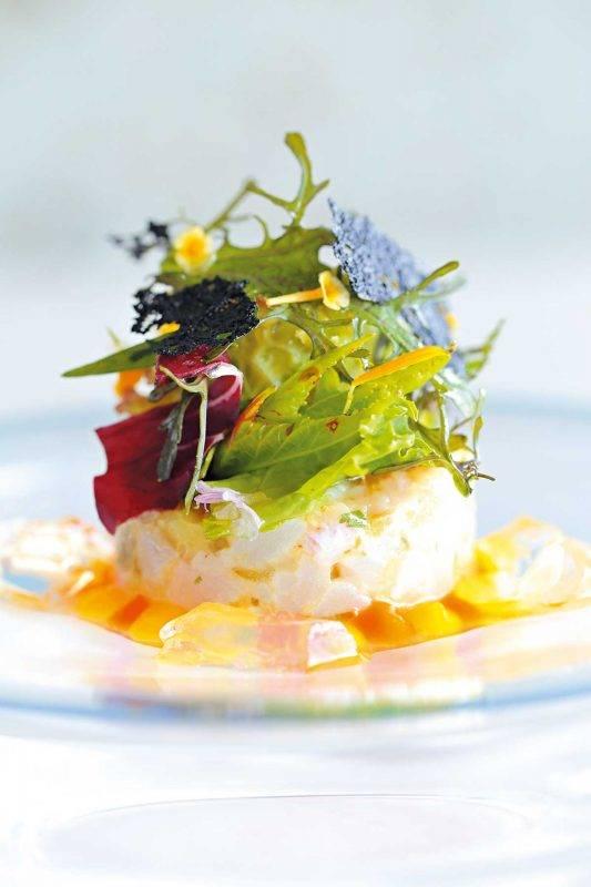 okas餐廳有機食材都是由本地合約農民提 供,而魚介海鮮都是在近海捕獲,精緻賣相叫 人垂涎欲滴。