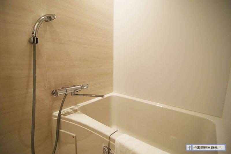 不想去大浴場的客人,房間內也有浴缸,可以舒舒服服泡個湯。(房內也有提供沐浴用品)