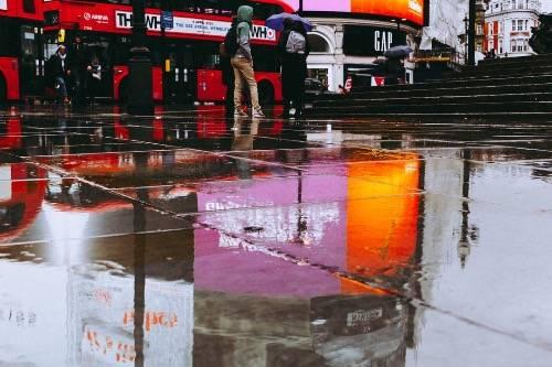 倫敦總依戀雨點(圖片來源:英適生活)