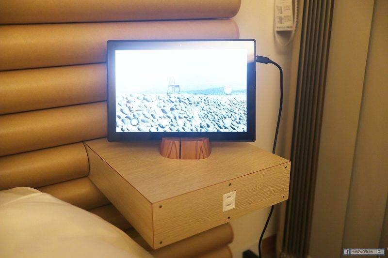 另一邊床頭則有 iPad,可以上網找資料,不過我就沒有用了,也不知道是否順暢快速。