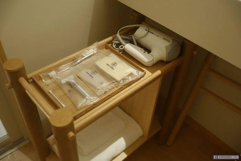 房內也有提供一般的洗漱用品,如果要去泡溫泉記得要帶毛巾啊。