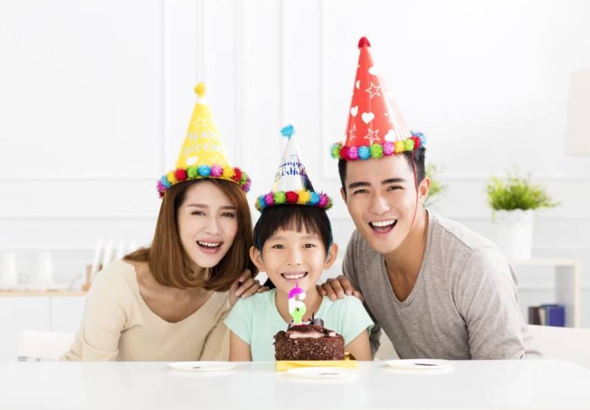 「童趣生辰住宿計劃」,優惠為一家三口家庭而設。