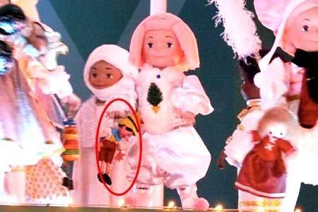 唯獨一個拿著皮諾丘木偶,中招可能會聽到「這樣就走了?要再來玩呀」