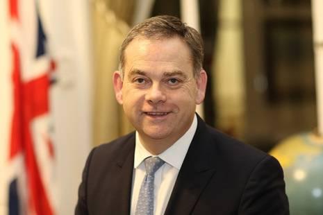 英國外交部主管亞洲事務大臣亞當斯表示,由7月15日至10月14日已有2,116名BNO持有人和其家屬獲批。(圖片來源:gov.uk)