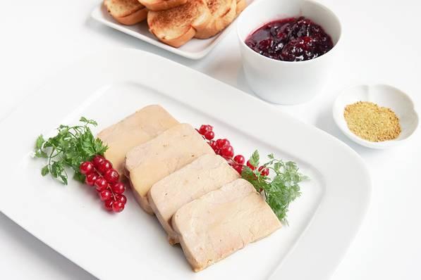 鵝肝醬 煙燻海鹽, 紅莓果醬, 法式麵包 港幣488元