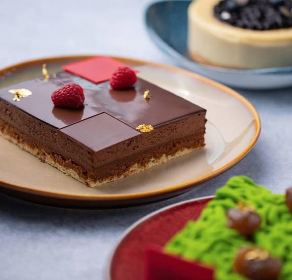 4人套餐甜品可選藍莓芝士蛋糕 、綠茶栗子蛋糕或Caraïbe 66%朱古力脆脆蛋糕