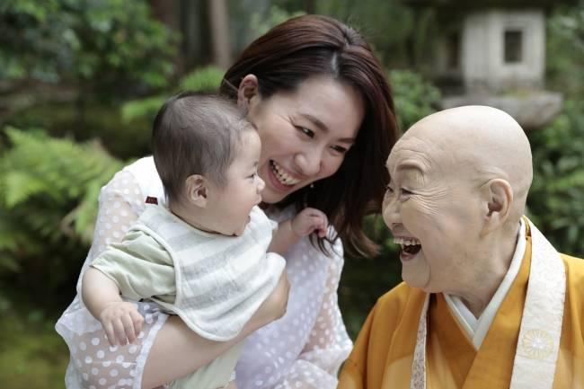 雖然出家成爲尼姑,卻依然活得多姿多彩。(圖片來源:prtimes.jp)