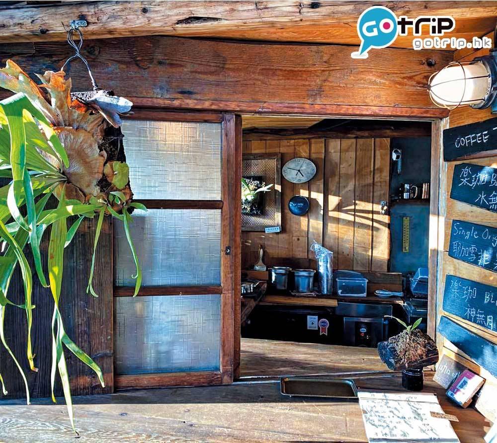 店外設有外賣窗口,很有日式cafe味道。