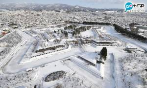 北海道冬日美景 白雪覆蓋五稜郭 五稜星之夢晚間亮燈更夢幻