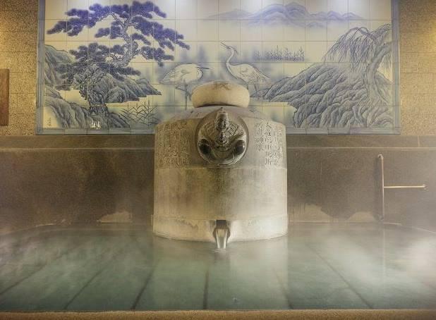 第6位:愛媛縣 道後溫泉|在道後溫泉本館,只洗澡不投宿,也可以在大開間或單間的休息室裡休息,而且價錢也算合理。|圖片來源:道後温泉事務所