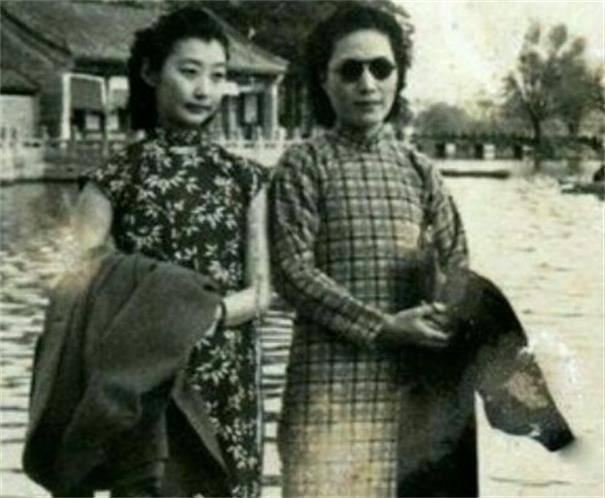 王敏彤:左一 (圖片來源:百度圖片)