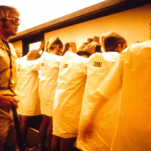 囚犯們的心態開始轉變(圖片來源:prisonexp.org)