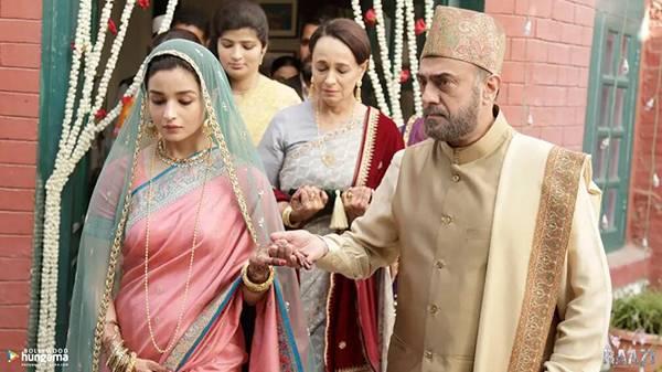 【求婚不遂】女方家人反對二人結婚,更要她疏遠男子(圖片來源:印度電影《心甘情願》劇照)