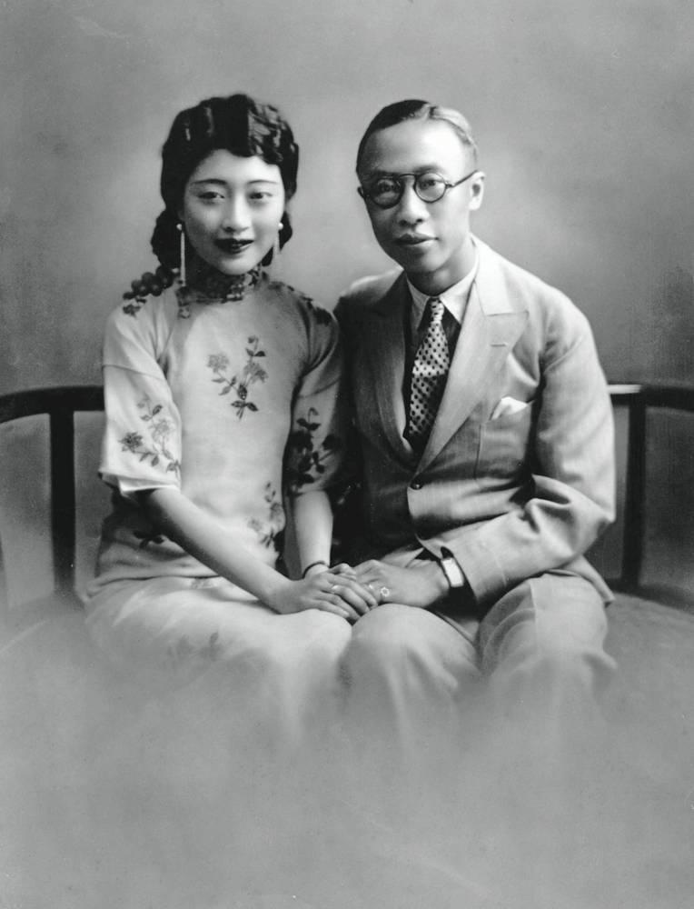 溥儀與皇后婉容合照(圖片來源:維基百科)