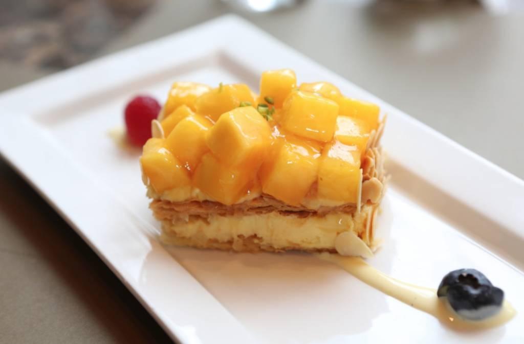 8度海逸酒店推出「鮮味美饌」自助晚餐