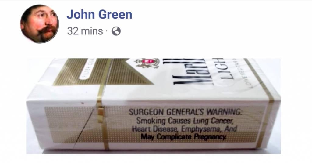 煙盒上的衛生局警告標籤證明了是來自北美洲(圖片來源:Netflix《貓不可殺不可辱:網絡殺手大搜捕》截圖)