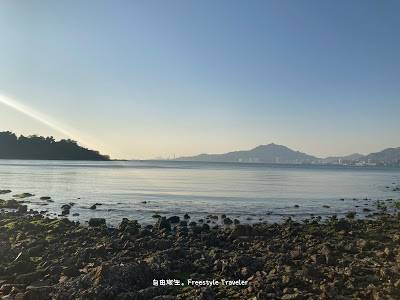 【欣澳行山】連島沙洲中間一邊可以遠處眺望屯門一帶