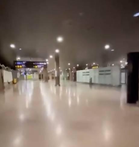 Javier也持續拍攝不同的「空城」影片,但每次都在大白天下或室內,而且燈火通明,像是仍在營業一樣,街道也十分乾淨,不少人都質疑其可信性。 (圖片來源:TikTok@unicosobreviviente)