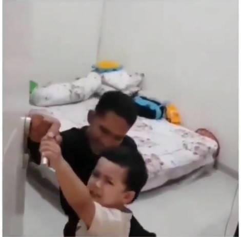 兒子不停哭鬧阻止,疑有「不祥預感」。(圖片來源:Instagram@isfadiah)
