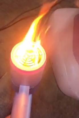 風筒突然噴火(圖片來源:Tiktok@Oiwwi影片截圖)