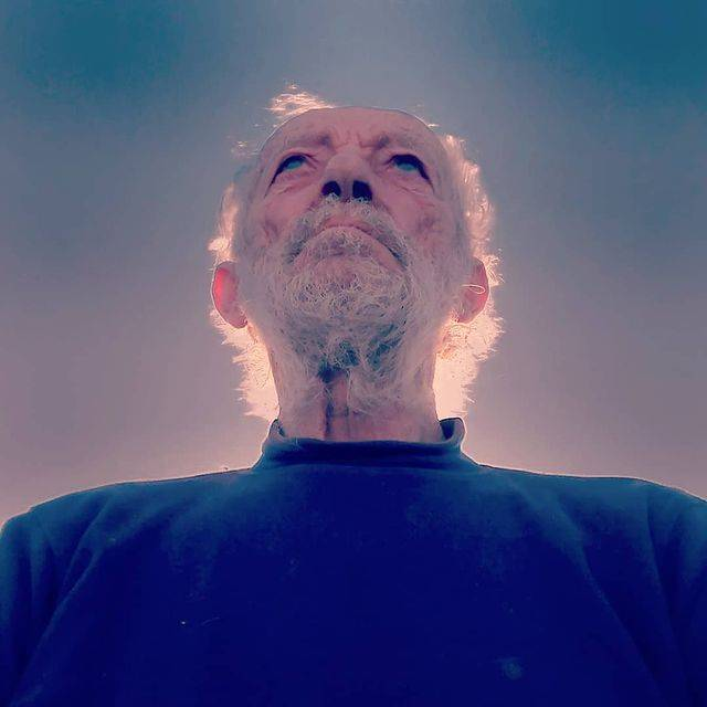 81歲的Mauro Morandim一個人在島上定居了32年。(圖片來源:Instagram@ maurodabudelli)