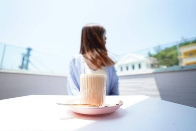 咖啡配香港水鄉之景觀,十分悠閒