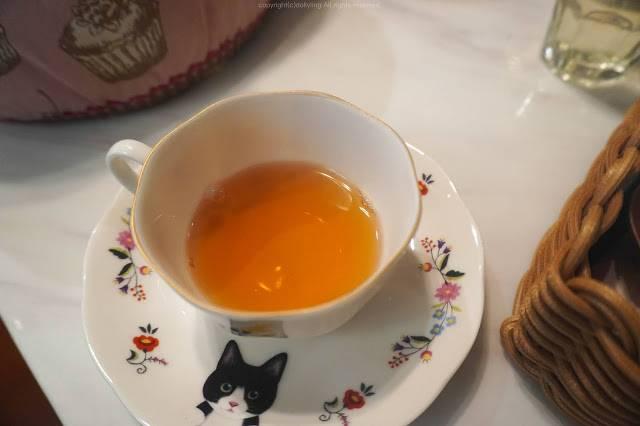 櫻花紅茶 () & 復活節茶 ()
