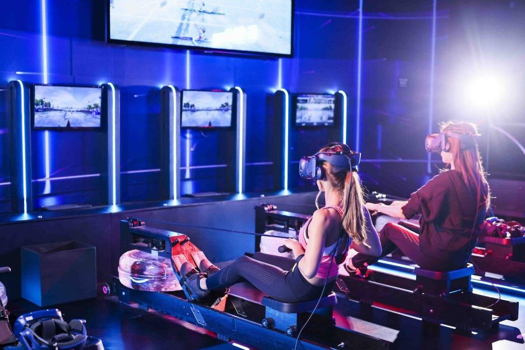 戴上VR眼鏡,就可以感受維多利亞港舉行的划艇賽事(圖片來源:官方提供)