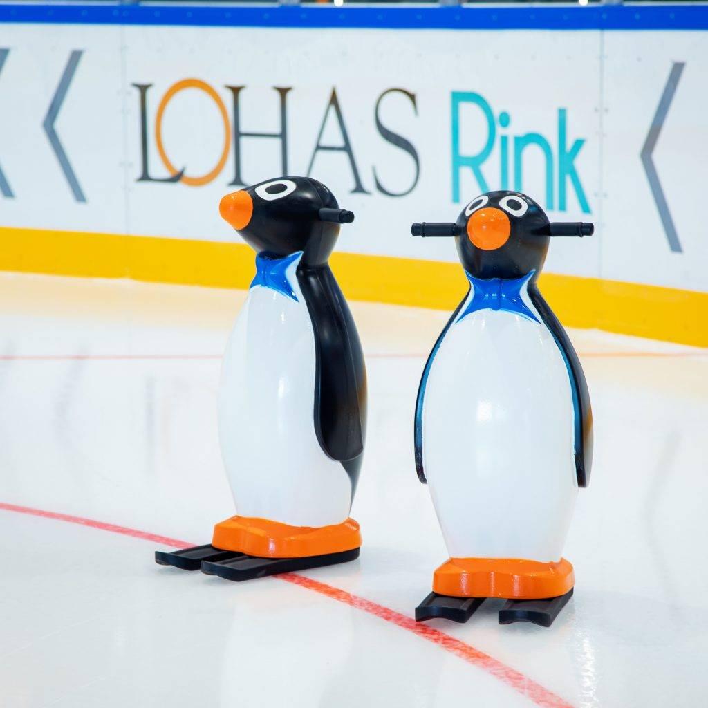 場內設有可愛的企鵝溜冰輔助扶手租賃圖片來源:官方圖片)