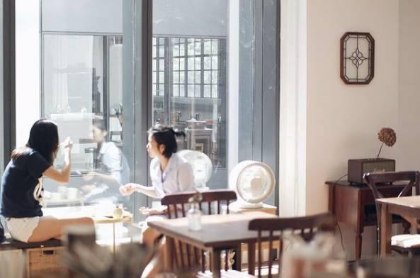 單看裝潢就有種如置身於韓國咖啡店的感覺(圖片來源:一日之間)