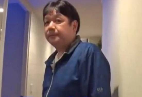 Toyomi與60歲的丈夫Akira住在日本橫濱的一座大廈豪宅裏(圖片來源:《家ついて行ってイイですか》)