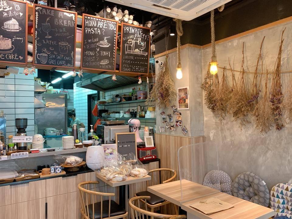 長沙灣Cafe|木系乾花咖啡店 主打全日早餐+輕食