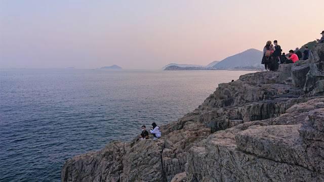 「歌連臣角炮台遺址」位於港島最東邊近小西灣,網絡人氣急升(圖片來源:)