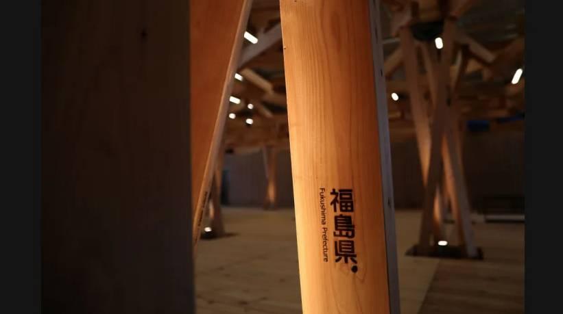 東京奧運2021|奧運村廣場由來自日本各地所捐贈的木材建造而成。(圖片來源:olympics.com)