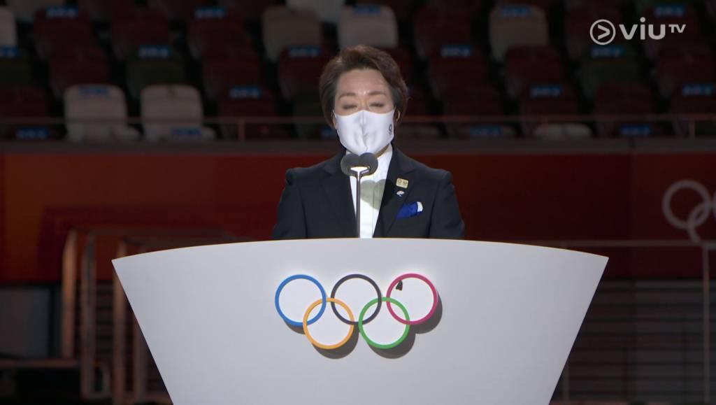她亦衷心表示,希望各地的運動員及所有朋友,在奧運結束後能夠重遊東京。(圖片來源:ViuTV)