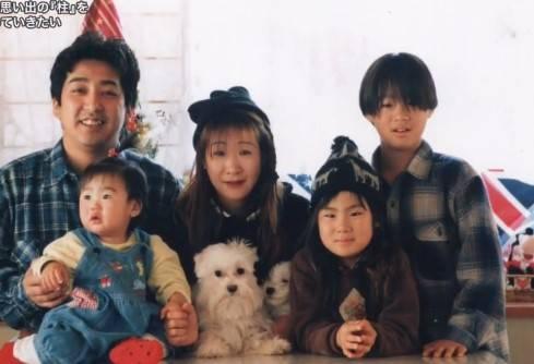 正勇家庭一家合照(圖片來源:《探偵!ナイトスクープ》)